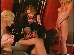 Vier hete geile pornstar babes in hakken en kousen Vingeren elkaar & s kut