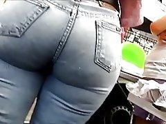Sexy milf phat ass!