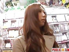 Aziatische meid houdt van openbare sex